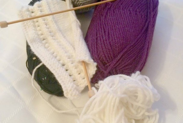 knitting circle for stress relief